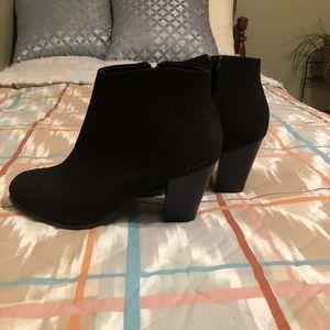 Low cut high heel boots